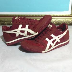 Onitsuka Tigers Classic Ultimate '81 - Maroon